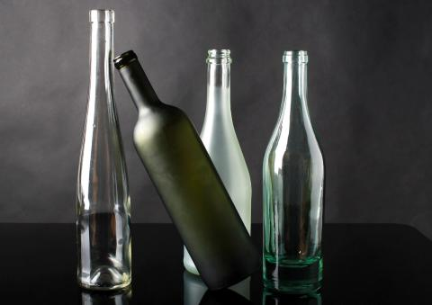 El vidrio es uno de los materiales que permite reutilizar una gran parte de sus residuos